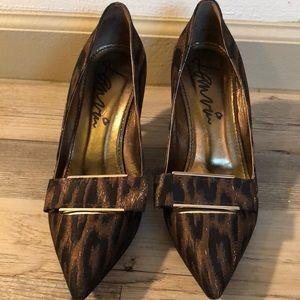 Lanvin animal print bow heels. sz 36.5